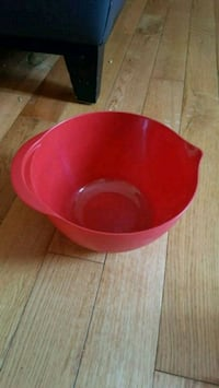 Red plastic Bowl