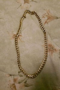 gold chain link necklace with pendant Whitby, L1R 3B1