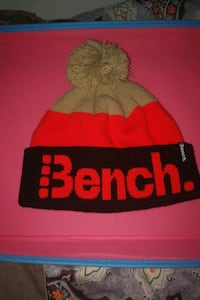 Bench winter hat Toronto, M4E 2E7