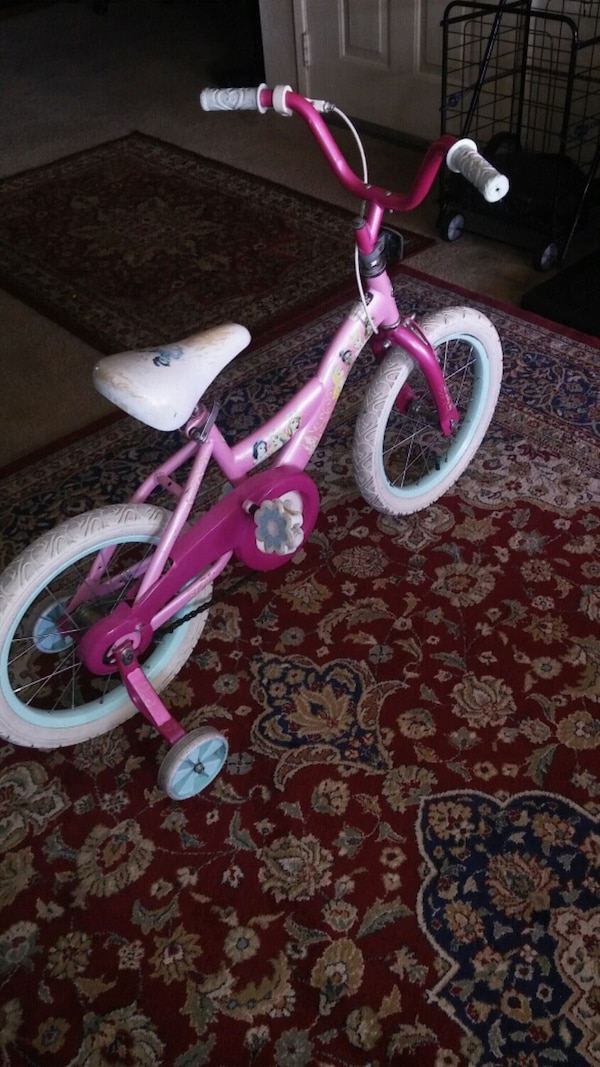 "Girls 12"" princesses bike 2"
