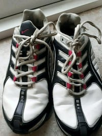 Nike shoes size 7  St. Catharines, L2R 6B5