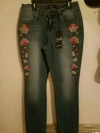 gray and red floral pants Edinburg, 78542