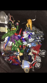 assorted plastic toys in box Cupertino, 95014