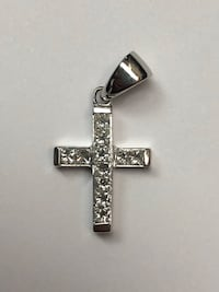 18k White gold Cross 1.ctw New York, 10036