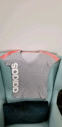 Like-new Adidas Climalite Top, size S Vancouver, V6B