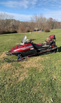 Atv/utv/dirtbike Snowmobile I TAKE OFFERS NEED GONE have seat cover
