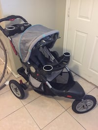 Baby's black and gray jogging stroller Brownsville, 78521