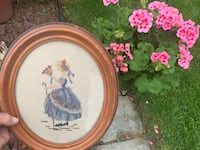 2 Vintage Oval Wood Picture Frames With Needlepoint Art $10 PPU 48236 Grosse Pointe Woods, 48236