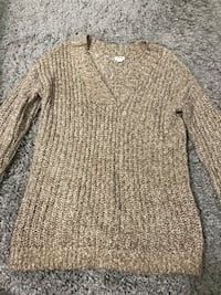 Knitted long sleeve, size XS but fits SM Port Coquitlam, V3B 1C7