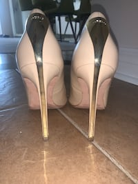 GUESS Nude Heels Size 5 Vaughan, L6A 0X1