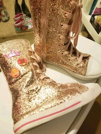 Disney princess glitter shoes Size 1 Mississauga, L5L 1C6
