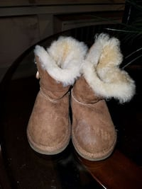 Size 7 Baby UGG Boots (Brown sz. ) New York, 11208