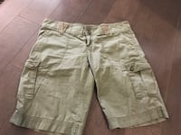 Roxy cargo shorts ~ olive green ~ size medium (8/9) Langley, V3A 4C6