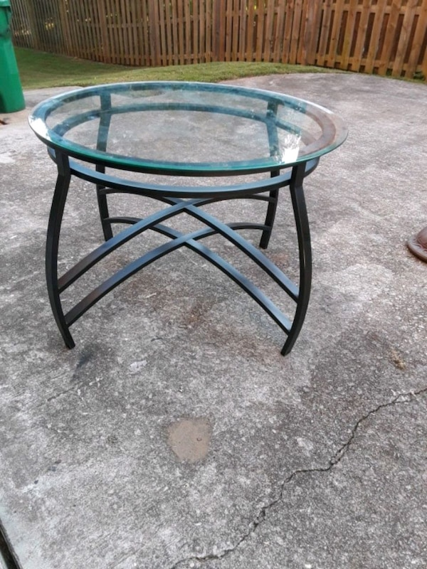 Round Glass Top Dining Table  157048e5-f11d-4696-b432-f90efede4282