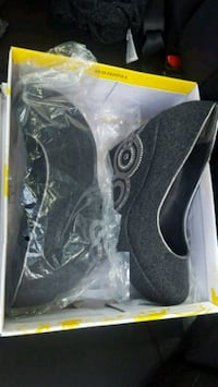pair of Gray suede wedge shoes Size 8 1/2 Northport, 35473