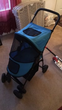 Clean stroller for little animal or doll.   NOT FOR ACTUAL CHILD 23 km