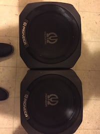 black and gray Pioneer subwoofer 2370 mi