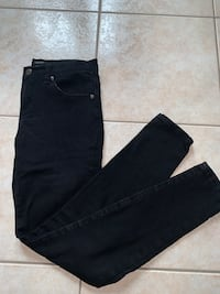 Black pair of jeans size 25- great for work ! In great condition Richmond Hill, L4C 0L5