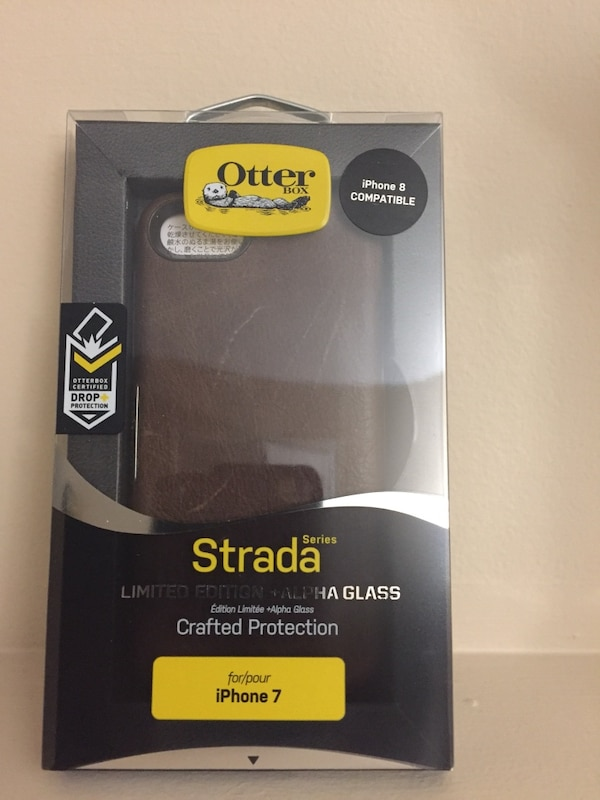 brown OtterBox Strada for iPhone 7 box