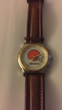 A nice cleveland browns watch with a leather band Zanesville, 43701