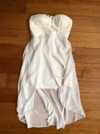 White High-Low Dress Size Small Langley, V3A 9L4