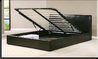 Svart King size leather bed