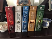 Game of Thrones 5 book set excellent condition  Newmarket, L3X 2E4