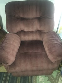 Selling recliner for $40!  Waldorf, 20601