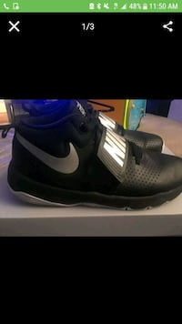 pair of black-and-white Nike running shoes Chula Vista, 91915