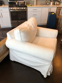 Pottery Barn White Slipcover Chair Seattle, 98115