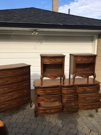 Broyhill bedroom set solid wood from 1960 Toronto, M5J