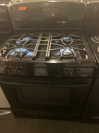 Ge gas stove working perfectly  Baltimore, 21223