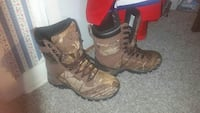Size 9 camo boot