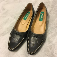 Genuine leather shoes Toronto, M5T 2A9