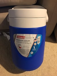 1 gallon cooler.  - brand new never used Holmdel, 07733