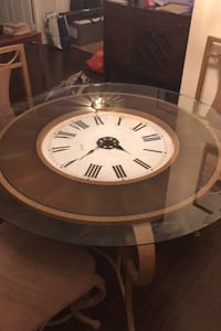 Clock table and maching chairs Ontario, M2M 3T2