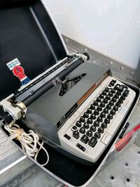 Vintage Smith Corona Electra 220 typewriter collectible antique Reston, 20194
