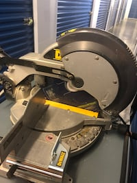 "Dewalt 12"" Compound Miter Saw - Dw705"