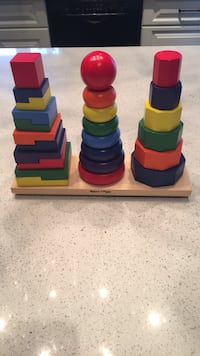 Melissa&Doug wood geometric stacker excellent condition Laval, H7K 1Y6