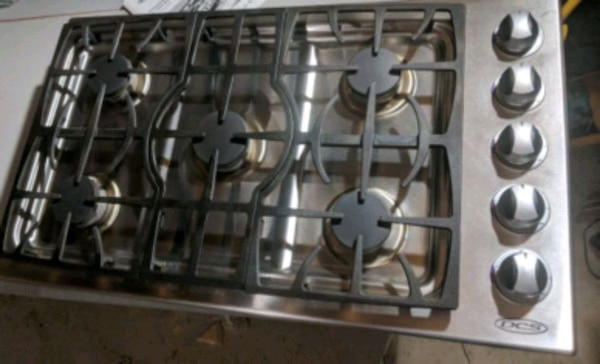 36 Inch Gas Cooktop In Excellent Used Condition