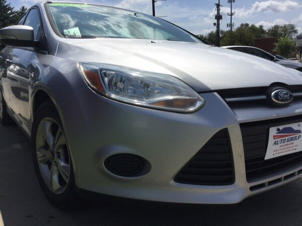 *ONE OWNER/CLEAN CARFAX* 2013 Ford Focus SE Hatchback -- GUARANTEED CREDIT APPROVAL 8e69940c-b8dc-499a-a4fb-62b034d25bb0