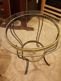 round glass top table with brown metal base Woodbridge, 22193