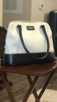 Kate Spade black and cream purse. (100% Authentic) Tampa, 33647