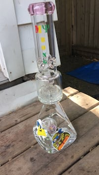 clear glass water bong Sault Ste Marie, P6C 4B5