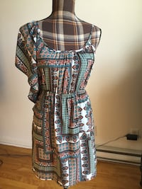 Brand new white multi colored summer dress in small/medium Montréal, H1M 1S1