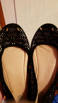 Black & Gold Flat Shoes  Searcy, 72143