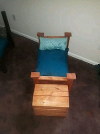 Pet bed with Hope Chest Phenix City, 36869