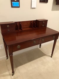 brown wooden 2-drawer console table Ashburn, 20147