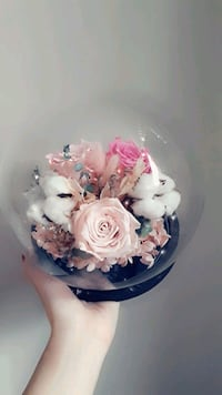 Glass Ball Rose Bouquet Pink and White Toronto, M2N 0A9