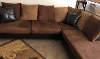 Living room set Sectional + 2 end tables
